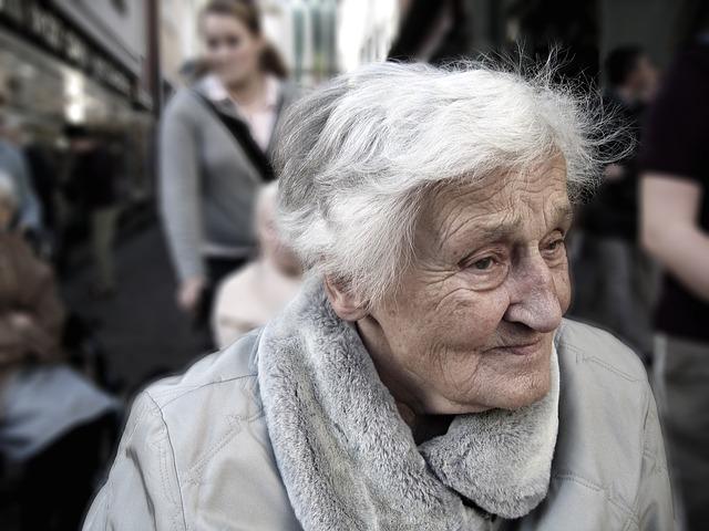 Pflege von Leuten im Alter